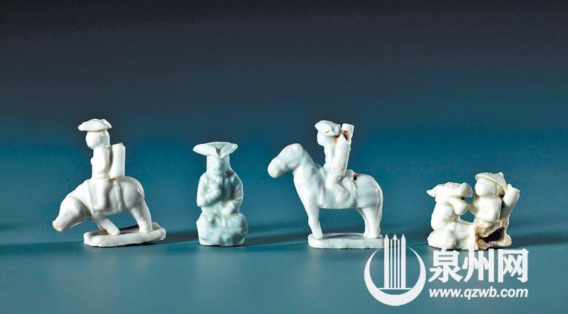 """德化人根据外国客户的文化、风情、习俗等设计生产的""""私人定制""""""""外国风""""瓷器。"""